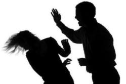 Ngược đãi người thân là vi phạm pháp luật